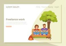 Kvinnan och m?n f?r Freelancer som parkerar den lyckliga unga arbetar p? b?nken in stock illustrationer