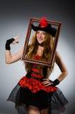 Kvinnan piratkopierar Arkivbilder