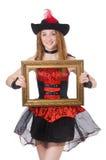 Kvinnan piratkopierar med den isolerade bildramen Arkivbilder