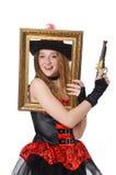 Kvinnan piratkopierar med vapnet Royaltyfri Fotografi
