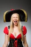 Kvinnan piratkopierar mot Fotografering för Bildbyråer