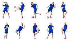 Kvinnan som spelar fotboll på vit royaltyfri fotografi