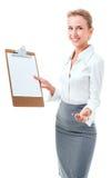 Kvinnan visar en tom skrivplatta royaltyfri foto
