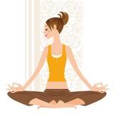 Kvinnan yoga, poserar, Arkivbild