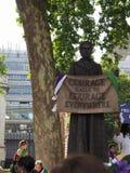 Kvinnarösträtt på 100 i London Arkivbild