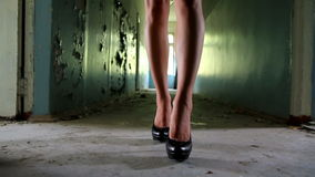 Kvinnas ben 3 stock video