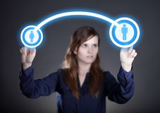 Kvinnas symboler för massmedia för hand driftiga sociala, pekskärm Fotografering för Bildbyråer
