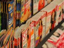Kvinnas tidskrifter i Tyskland Arkivfoto