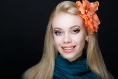 Kvinnaskönhetframsida royaltyfri foto