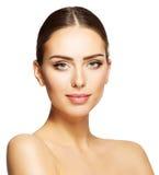 Kvinnaskönhetframsida, härlig modell Makeup Portrait, ung flickasmink royaltyfri bild