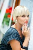 Kvinnaskönhetstående fotografering för bildbyråer