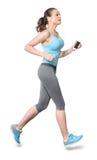 Kvinnaspring som joggar med Earbuds, isolerade på vit bakgrund Arkivfoton
