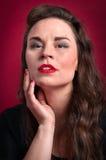 Kvinnastående Arkivfoto