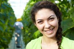 Kvinnaträdgårdsmästare royaltyfri bild