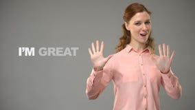 Kvinnaunderteckning som är trevlig att möta dig asl-lärare som visar ord i teckenspråkkurs lager videofilmer