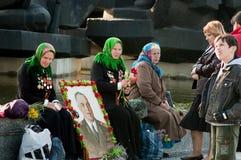 Kvinnaveteran under beröm av Victory Day Arkivbild