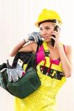 Kvinnlig byggnadsarbetare Arkivfoto