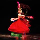 Kvinnlig dansare av den traditionella koreanska dansen Arkivbilder