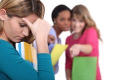 Kvinnlig deltagare som trakasseras Arkivfoton