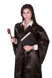 Kvinnlig domare i en kappa arkivbild