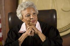 Kvinnlig domare Smiling Fotografering för Bildbyråer