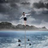 Kvinnlig entreprenör i riskbegrepp royaltyfria bilder
