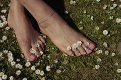 Kvinnlig fot koppla av Royaltyfria Bilder