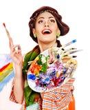 Kvinnlig konstnär på arbete. Royaltyfri Fotografi