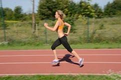Kvinnlig löpare Arkivfoto