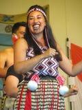 Kvinnlig Maori Performer Arkivfoto