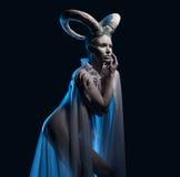 Kvinnlig med getkropp-konst royaltyfria foton