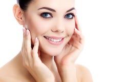 Kvinnlig med ny klar hud Royaltyfria Bilder