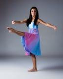 Kvinnlig modern dansare Royaltyfria Bilder