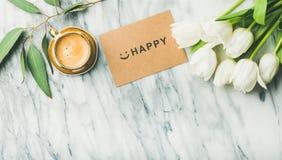 Kvinnlig morgonorientering med kaffe Royaltyfri Bild