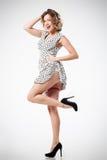 Kvinnlig retro utformad stående Royaltyfri Foto