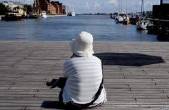 KVINNLIG SIKTSKÖPENHAMN HABOUR I DANMARK fotografering för bildbyråer