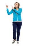 kvinnlig som pekar upp tonåringen arkivfoto