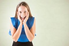 kvinnlig som ser förvånad Arkivfoton