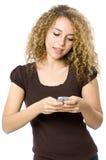 kvinnlig som texting Arkivbilder