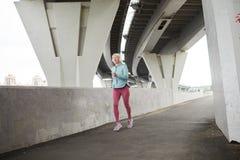 kvinnlig sprinter fotografering för bildbyråer
