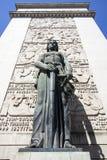 Kvinnlig staty framme av domstolen av Porto (domstolen da Relacao gör Porto), i Porto - Portugal royaltyfri bild
