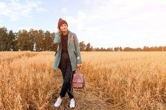 Kvinnlig student för stående royaltyfri foto