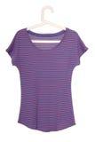 Kvinnlig violett utslagsplats-skjorta royaltyfri foto