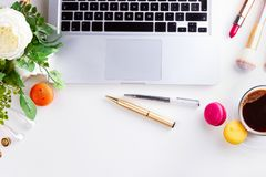 Kvinnlig workspace, bästa sikt royaltyfria bilder