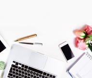 Kvinnlig workspace, bästa sikt royaltyfri foto