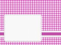 Kvinnliga flickaktigt ljusa rosa färger kontrollerar ginghamtygbakgrund med Arkivbild