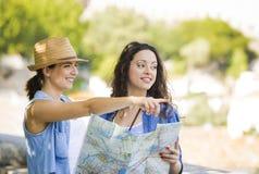 Kvinnliga turister arkivbilder