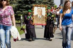 Kvinnliga veteran under beröm av Victory Day Arkivfoton