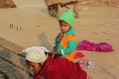 Kvinnligarbete, Indien Arkivfoton