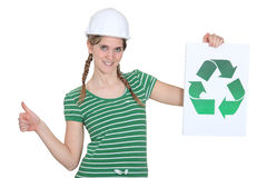 Kvinnligbyggnadsarbetare Arkivbild